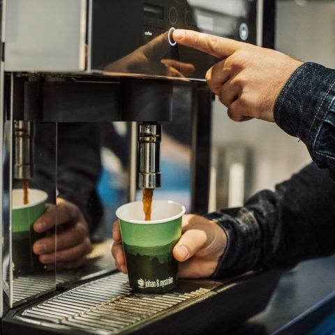 Café Bar och Johan & Nyström inleder strategiskt partnerskap